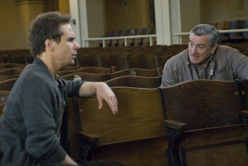 Sam Rockwell e Robert De Niro in una scena di Everybody's fine