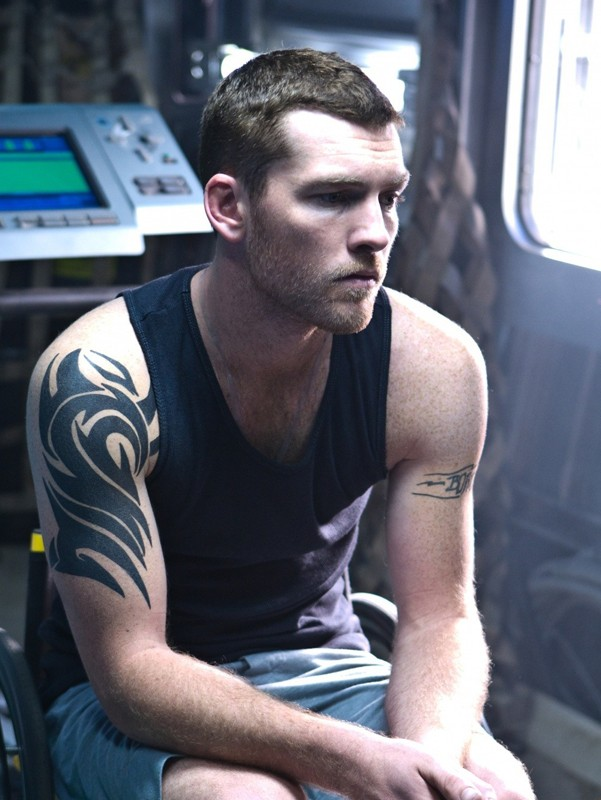 Sam Worthington interpreta Jake Sully nel film di fantascienza Avatar