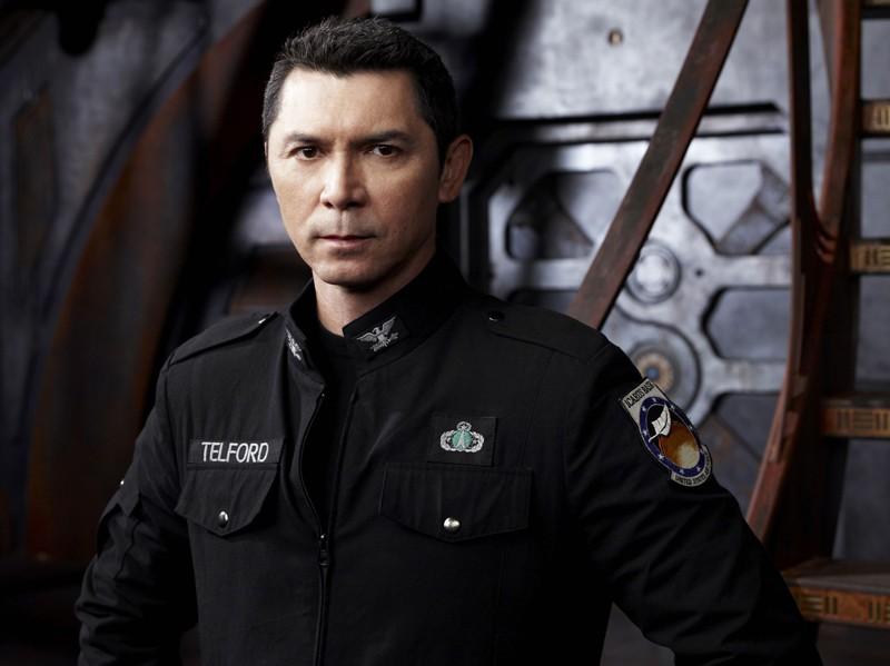 Una foto promo di Lou Diamond Phillips per la stagione 1 di Stargate Universe