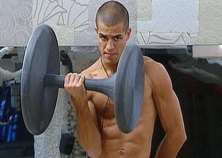 Grande Fratello 10, Giorgio Ronchini cerca di tenersi in forma.
