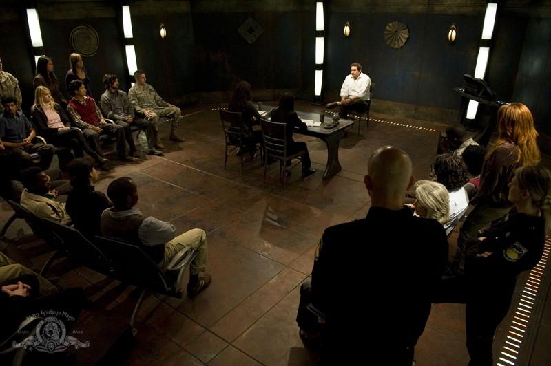 Jeremy (Mark Burgess) al processo indetto sulla Destiny nell'episodio Justice di Stargate Universe