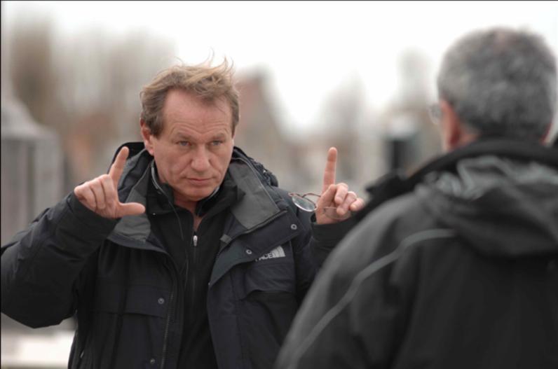 Il regista Philippe Lioret mentre dirige il film Welcome