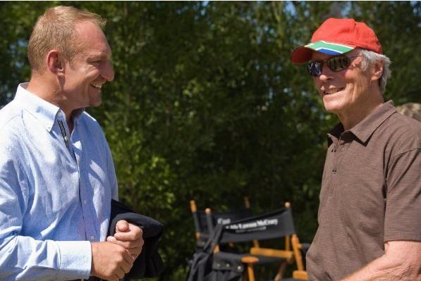 Il regista Clint Eastwood e il campione Francois Pienaar sul set del film Invictus