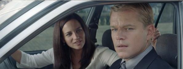 Matt Damon e Marguerite Wheatley in una sequenza di Invictus