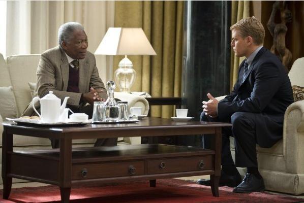 Morgan Freeman e Matt Damon in una scena di Invictus