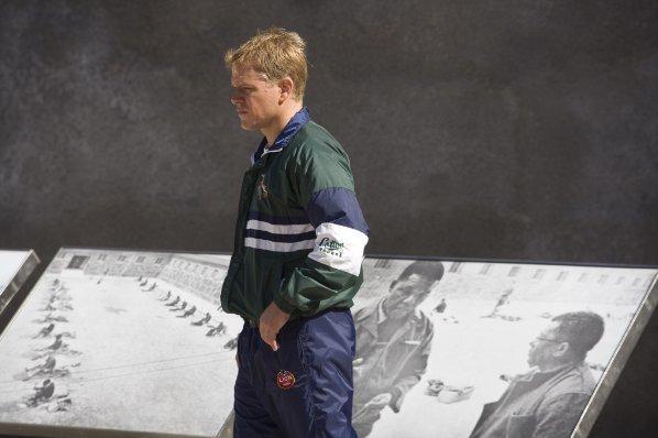 Matt Damon in una scena del film Invictus