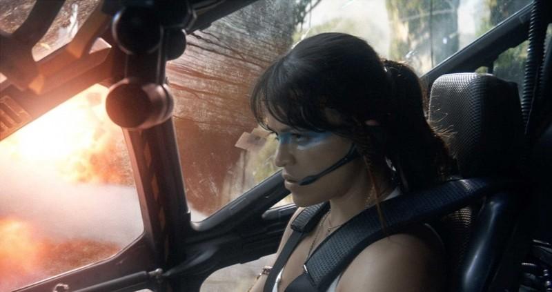 Michelle Rodriguez è Trudy Chacon nel film Avatar diretto da James Cameron