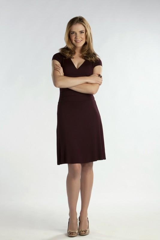 Sara Canning in una foto promozionale per la prima stagione della serie The Vampire Diaries