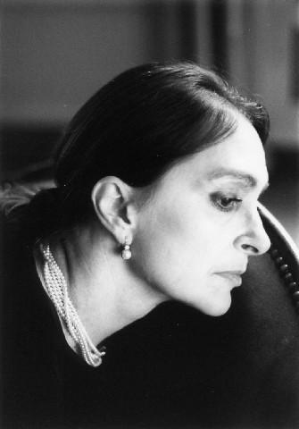 Un ritratto di Adriana Asti