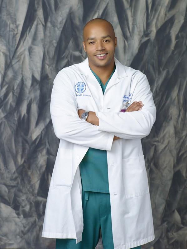 Donald Faison in una foto promozionale della stagione 9 di Scrubs