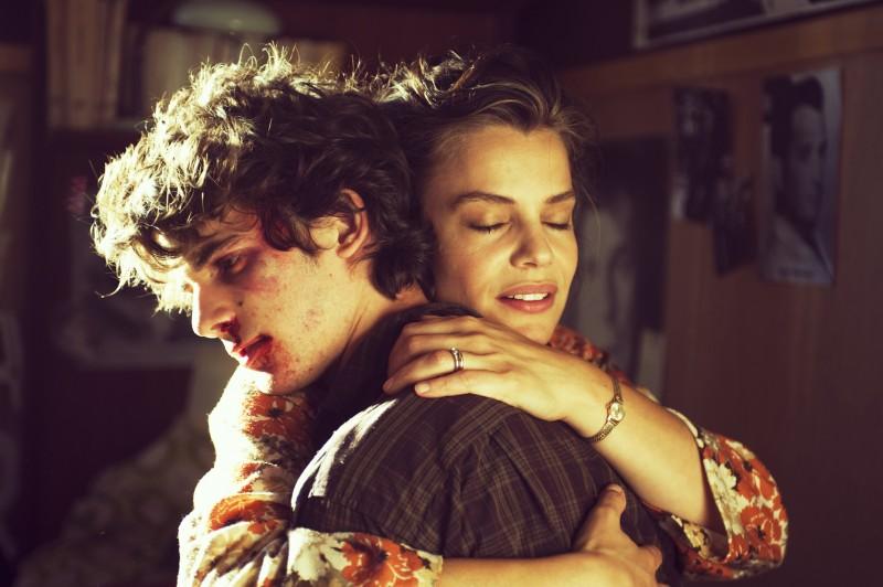 Micaela Ramazzotti e Francesco Rapalino in un'immagine de La prima cosa bella
