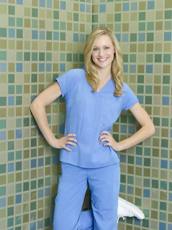 Scrubs: Kerry Bishe è Lucy in una foto promozionale della stagione 9