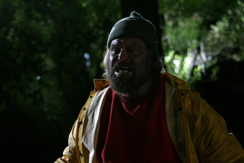 John Carl Buechler in una scena dell'horror Hatchet