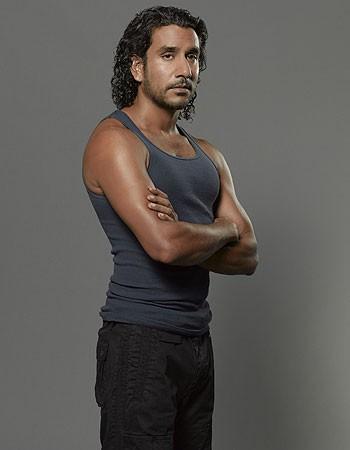 Lost: Naveen Andrews in una foto promozionale della stagione 6