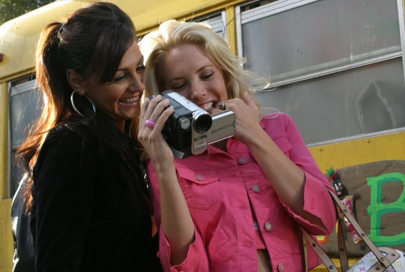 Mercedes McNab e Joleigh Fioravanti in una scena di Hatchet