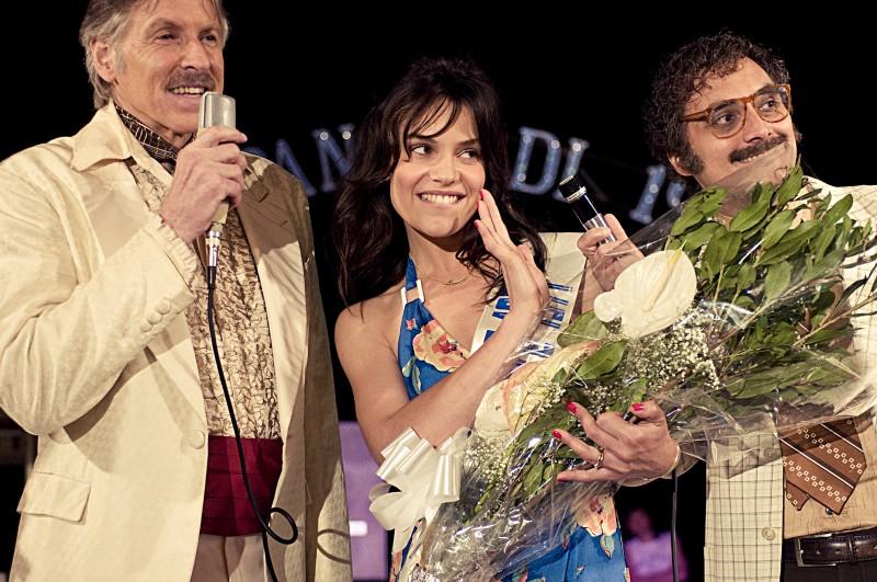 Micaela Ramazzotti diventa Miss nel film La prima cosa bella