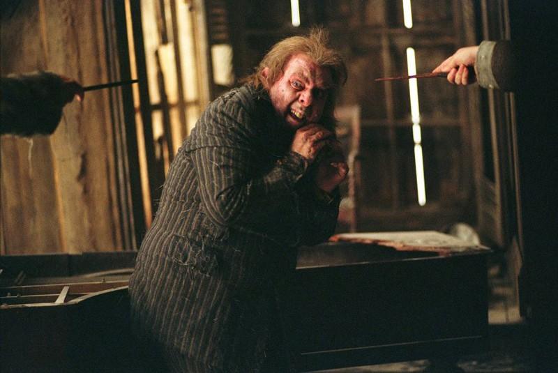 Peter 'Codaliscia' Minus (Timothy Spall) in un momento del film Harry Potter e il Prigioniero di Azkaban