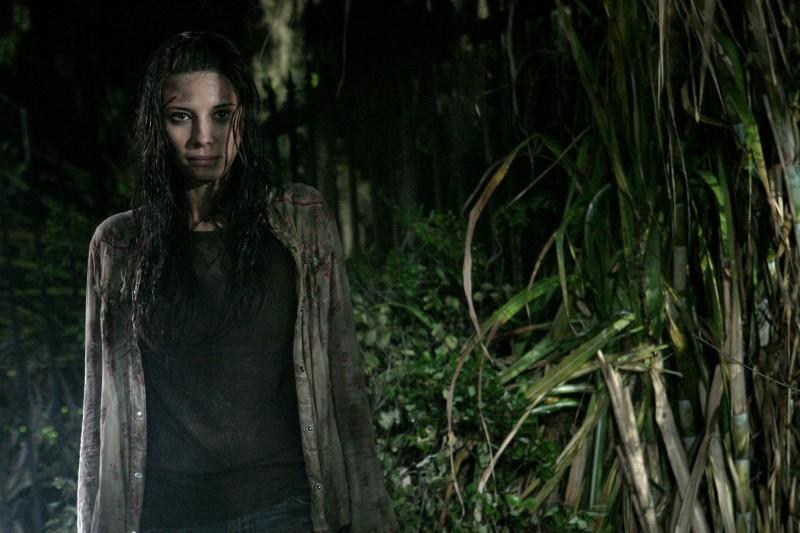 Tamara Feldman in un'immagine dell'horror Hatchet