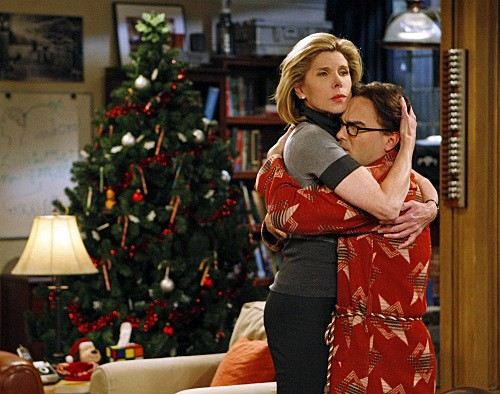 Christine Baranski e Johnny Galecki nell'episodio The Maternal Congruence di The Big Bang Theory