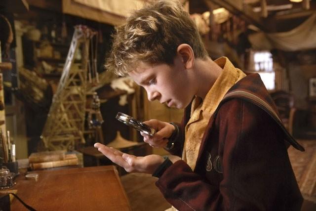 Freddie Highmore, protagonista umano del film Arthur e la vendetta di Maltazard