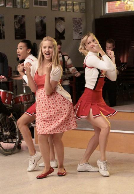 Glee: Naya Rivera, Dianna Agron ed Heather Morris nell'episodio Sectionals