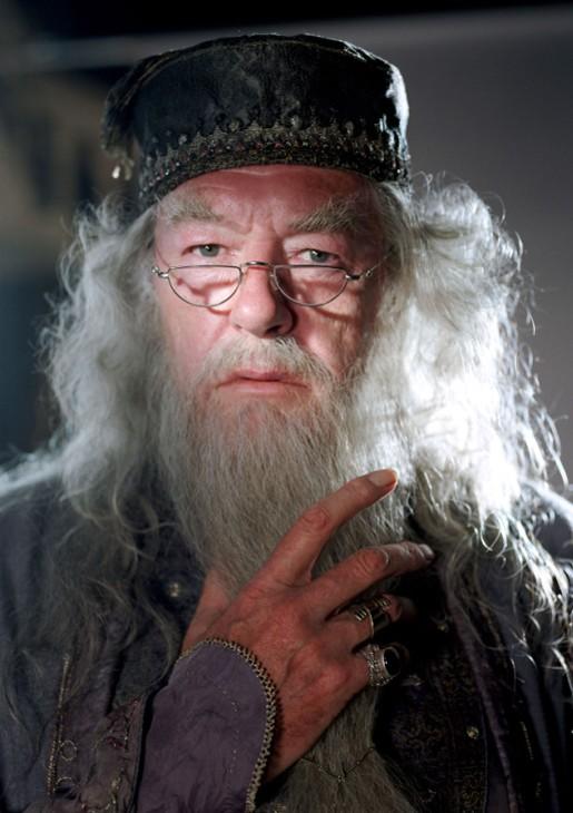 Il preside Albus Silente (Michael Gambon) in un'immagine promo in primo piano per Harry Potter e il Prigioniero di Azkaban