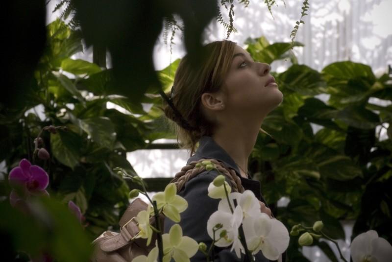 Sarah Felberbaum in una sequenza di Due vite per caso