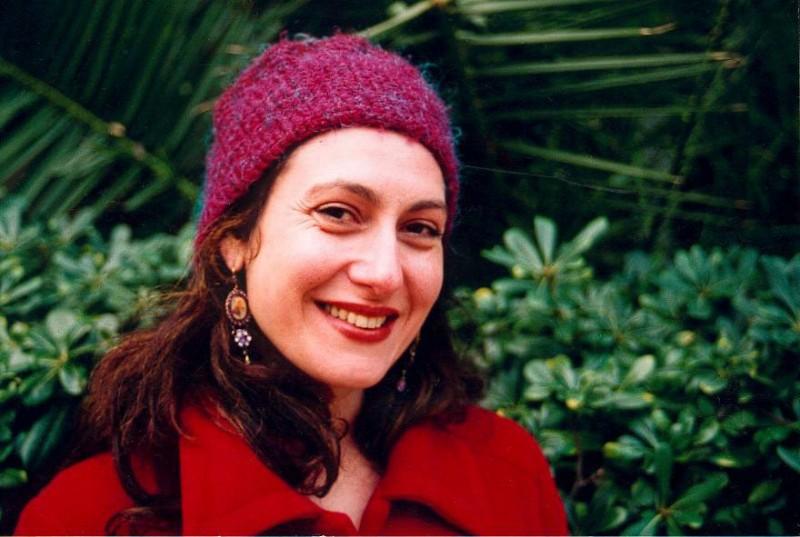 Karin Albou in una scena del film Il canto delle spose