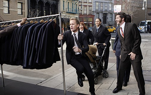 Neil Patrick Harris nell'episodio Girls Vs. Suits di How I Met Your Mother