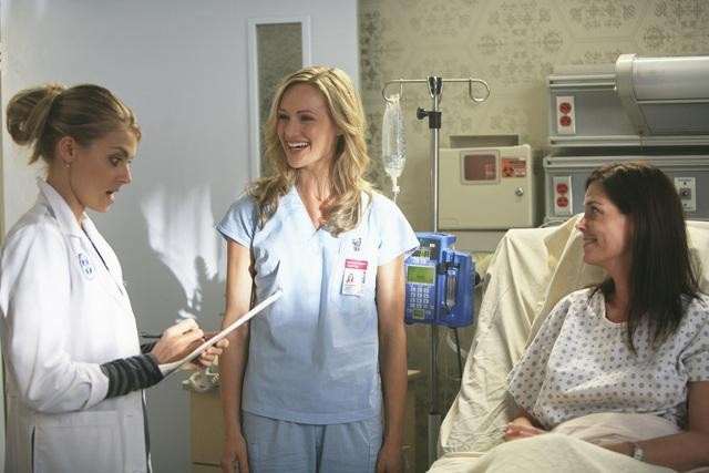 Scrubs: Eliza Coupe nell'episodio Our Role Models