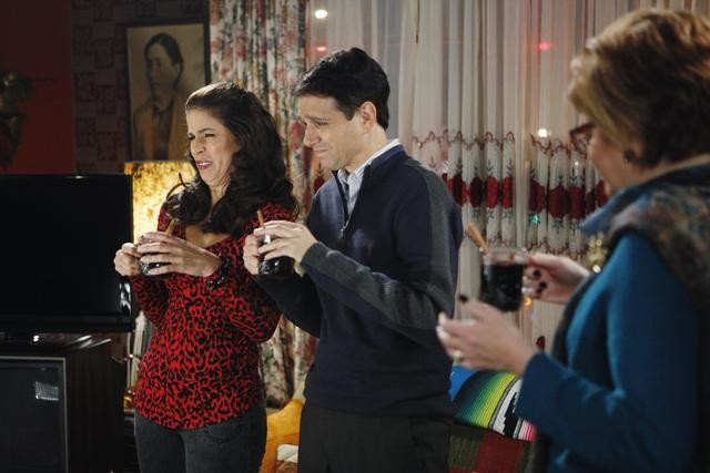 Ugly Betty: Ana Ortiz, Ralph Macchio e Faith Prince nell'episodio Be-Shure