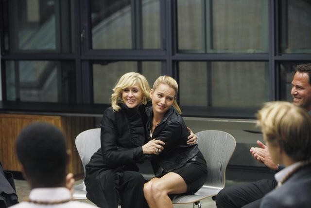 Ugly Betty: Judith Light e Becki Newton nell'episodio Level (7) with Me