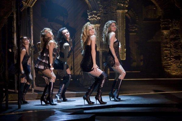 Kate Hudson in una sequenza del film musicale Nine