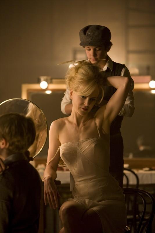 Nicole Kidman in una sequenza del film musicale Nine