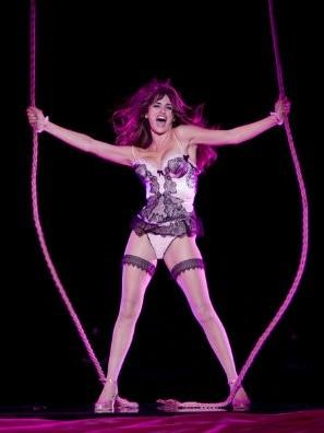 Penelope Cruz in un'immagine del musical Nine