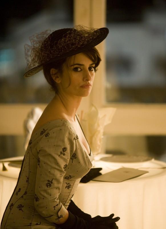 Penelope Cruz in un'immagine tratta dal musical Nine
