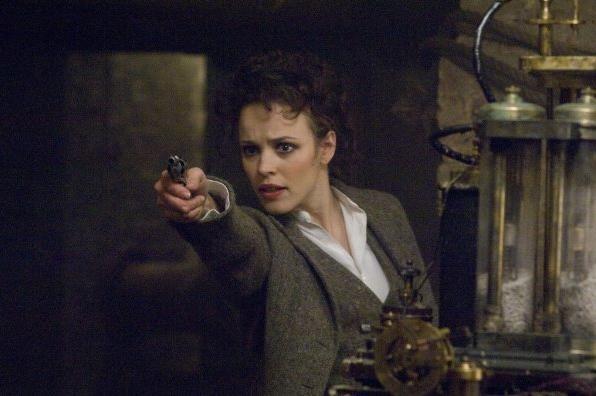 Rachel McAdams in una scena di Sherlock Holmes
