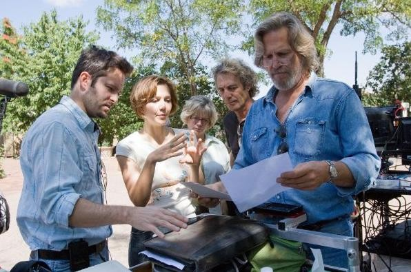 Il regista Scott Cooper, Jeff Bridges e Maggie Gyllenhaal nel film Crazy Heart