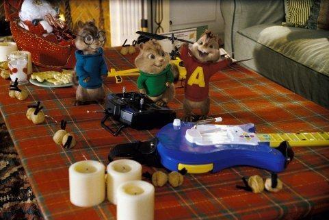 Gli allegri Theodore, Simon e Alvin in una scena del film Alvin Superstar