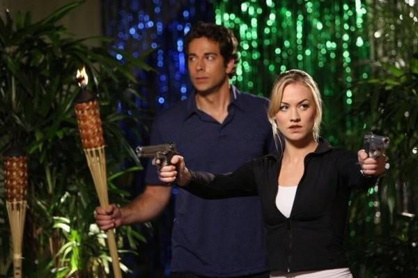 Chuck: Zachary Levi ed Yvonne Strahovski nell'episodio Chuck Vs. The Three Words