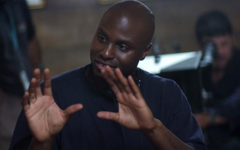 Il regista Olatunde Osunsanmi sul set del film Il quarto tipo