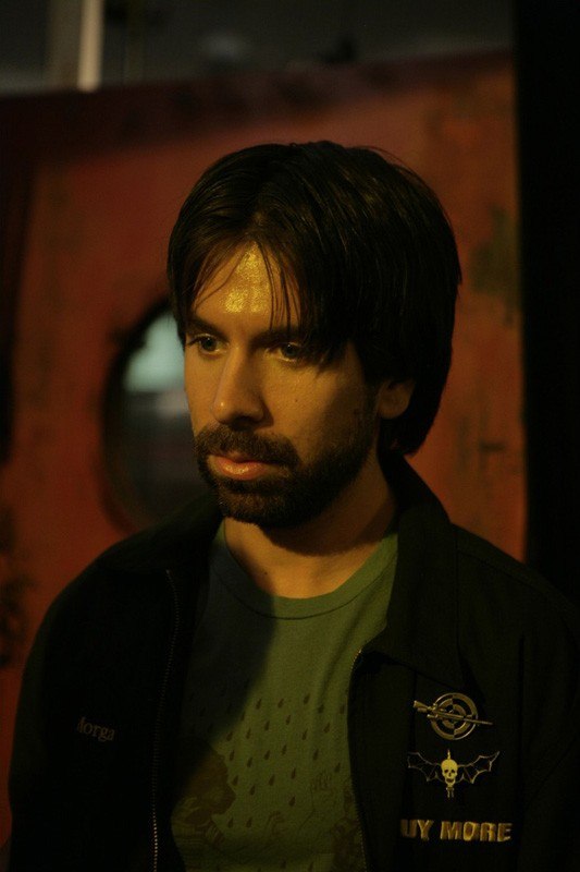 Joshua Gomez in un momento dell'episodio Chuck vs. The Sizzling Shrimp