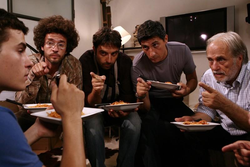 Marco Brenno, Alessio Boni, Neri Marcorè, Emilio Solfrizzi e Luigi Diberti in Tutti pazzi per amore 2