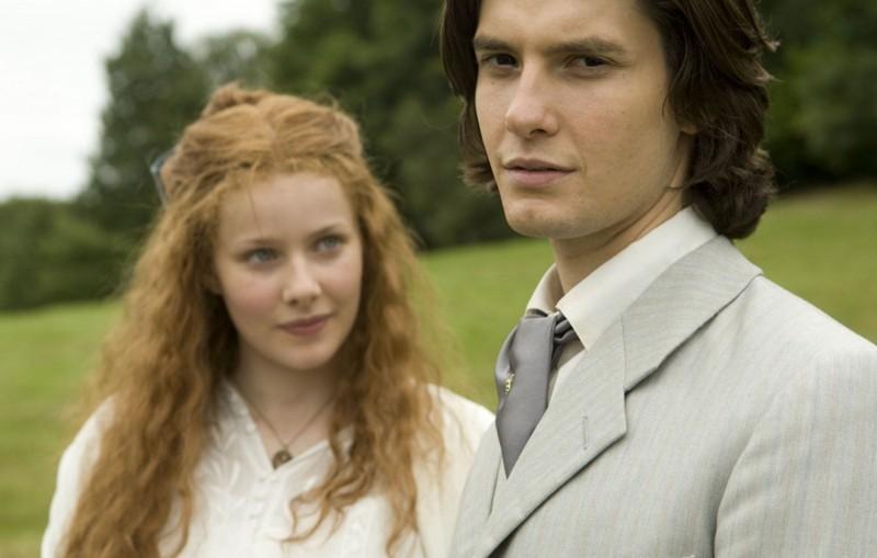 Rachel Hurd-Wood e Ben Barnes in una scena del film Dorian Gray