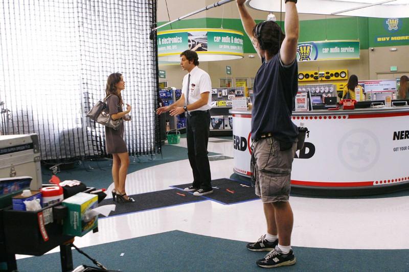 Zachary Levi e Rachel Bilson durante le riprese dell'episodio Chuck vs. The Truth