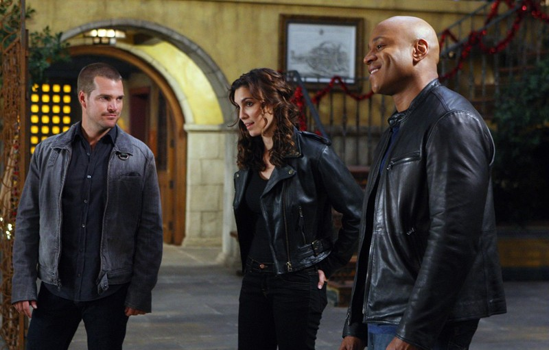 Il trio protagonista: Chris O'Donnell, Daniela Ruah e LL Cool J in una scena dell'episodio Brimstone