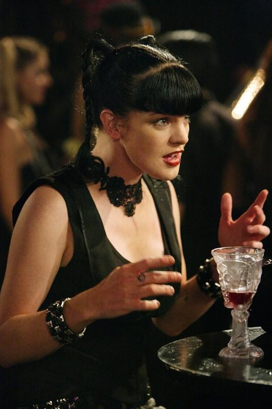 Pauley Perrette è Abby Sciuto in una scena dell'episodio Random On Purpose