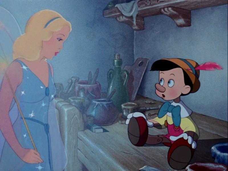 Pinocchio e la scintillante fata Turchina in una scena del film d\'animazione Pinocchio
