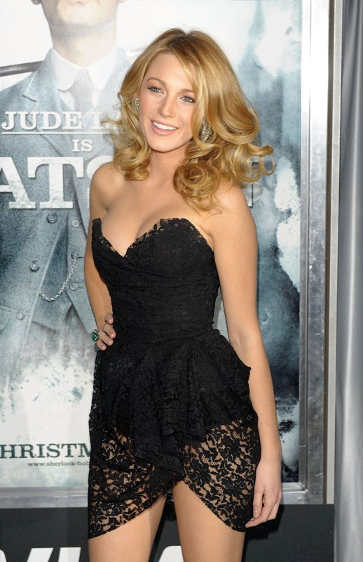 Blake Lively alla premiere del film Sherlock Holmes, in New York City, il 17 Dicembre 2009