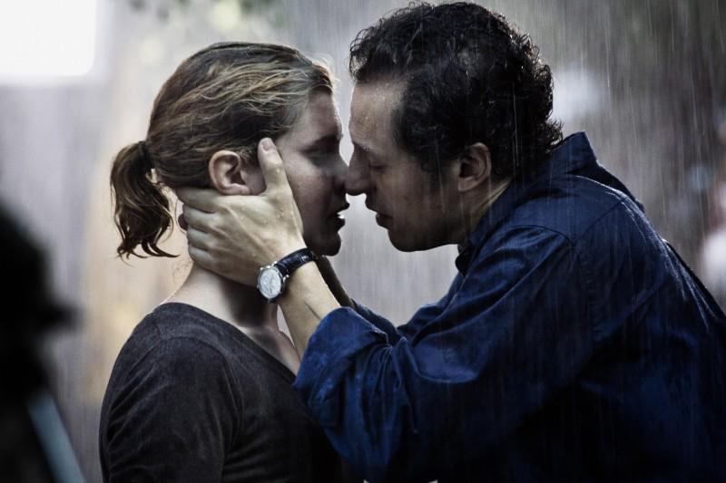 Stefano Accorsi e Vittoria Puccini in un'immagine tratta dal film Baciami ancora